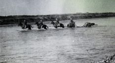 River crossing with heavy guns, Persian Front, Mesopotamia, 1917/18