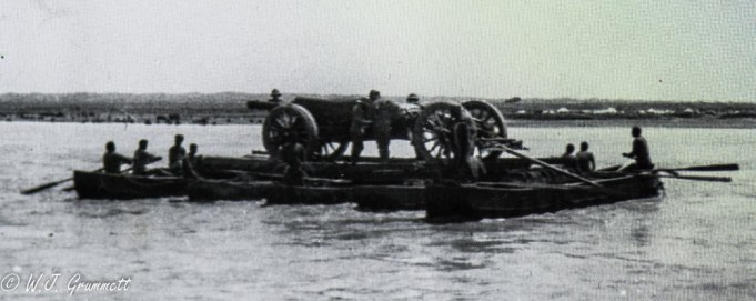Moving the guns, Persian Front, Mesopotamia, 1917/18