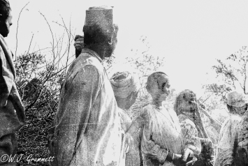 Man with children at Ambala, 1916/17