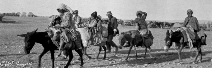 Refugees on route to the British refugee camp at Baqubah, Mesopotamia, 1918