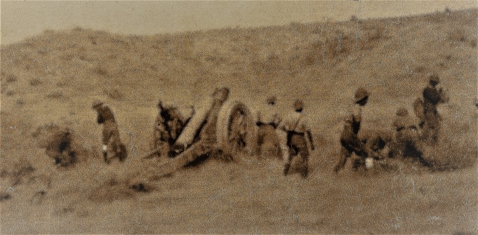 Guns in action, Persian Front, Mesopotammia, 1917/18